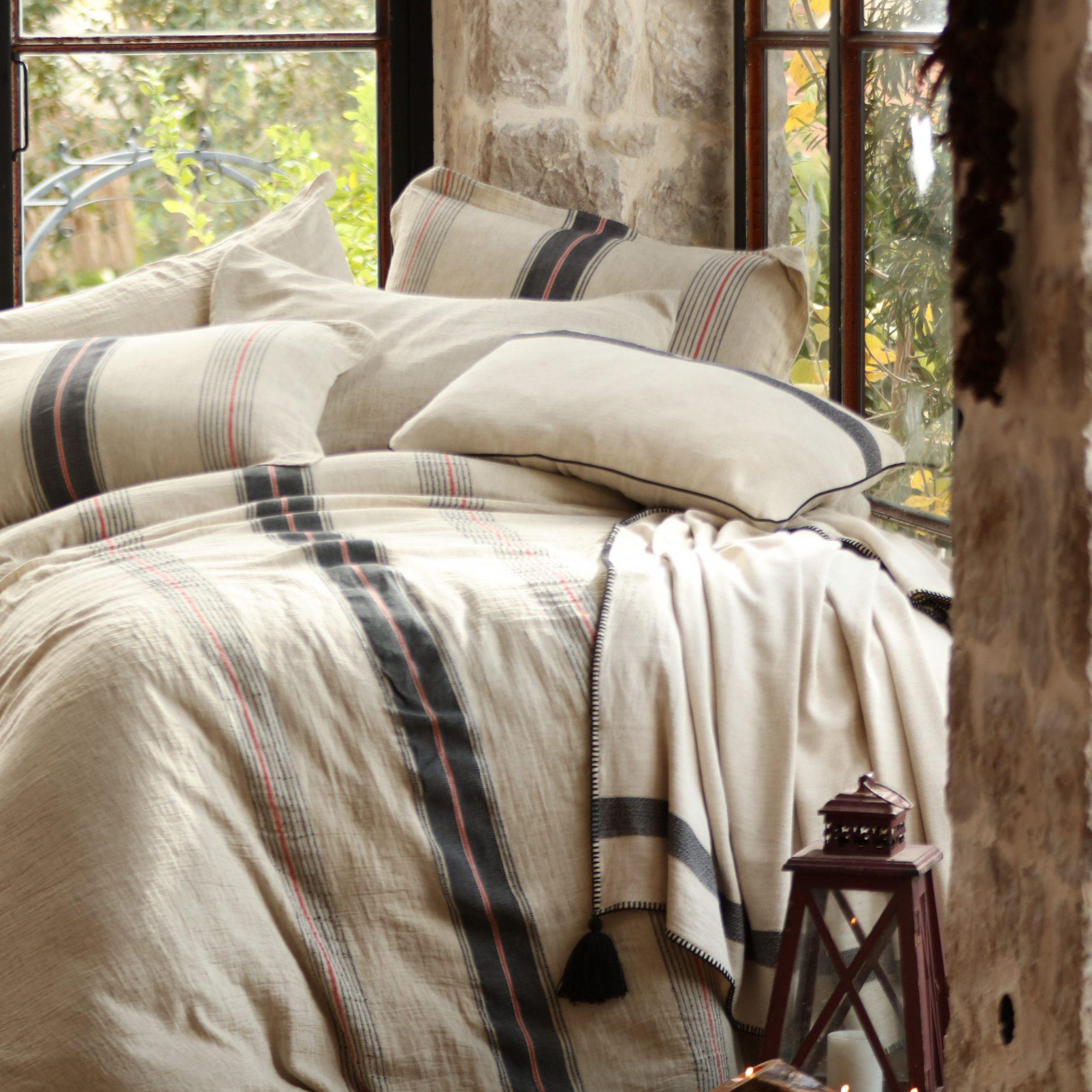 Plaid bed